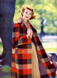 Plaid coat from 1955 houseofmirelle.uk