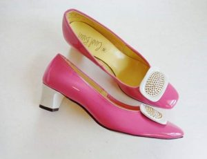 1960s hot pink patent leather shoes houseofmirelle.uk