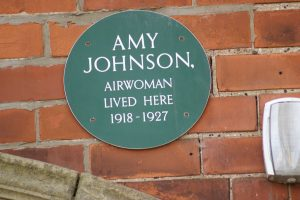 Amy Johnson plaque 85 Park Avenue Hull
