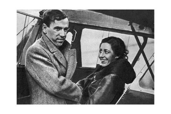Amy Johnson Jim Mollison Set Out for Cape Town 1932