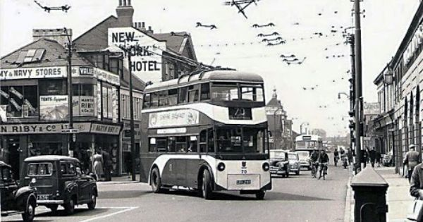 Bus pulling away from the New York Hotel Anlaby Road Hull
