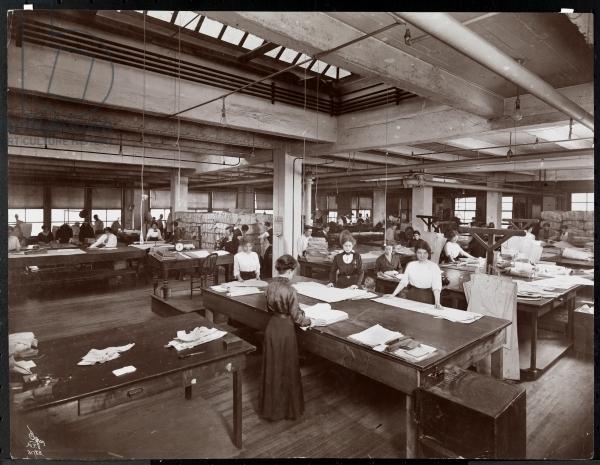 McCalls Pattern Workroom HouseofMirelle.uk